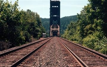 Burlington Northern Railroad Bridge Mac wallpaper