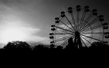 Ferris Wheel In Black And White MacBook Pro wallpaper