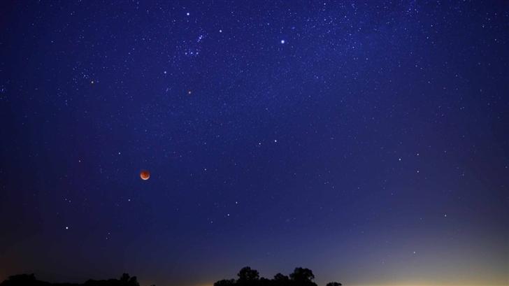 Starry Sky And Full Moon Mac Wallpaper