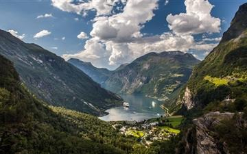 Geiranger Norway All Mac wallpaper