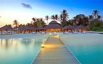 Maldive Islands Resort MacBook Air wallpaper