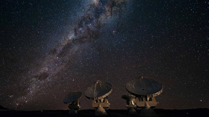 Satellite Array Night Mac Wallpaper