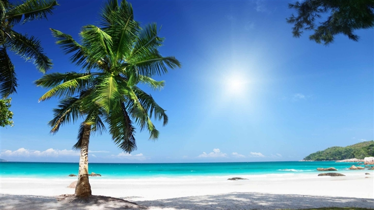 Sunny Beach Mac Wallpaper