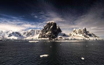 The Antarctica Mac wallpaper