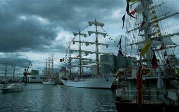 Sailing Ships Mac wallpaper