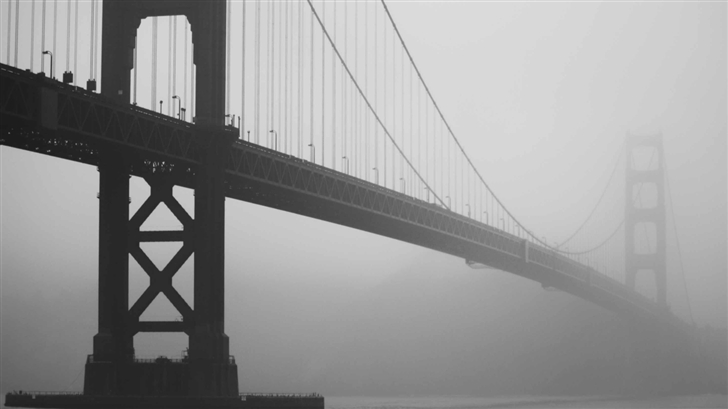 Golden Gate In Fog Mac Wallpaper