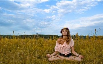 Outdoor Yoga All Mac wallpaper