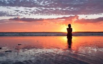 Woman Watching The Sunset Mac wallpaper