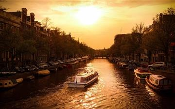 Canal Cruiser Amsterdam Mac wallpaper