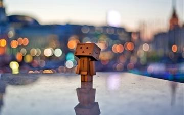 Danbo In The City Mac wallpaper