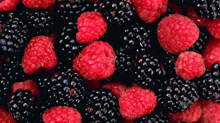 The Berries Mac Wallpaper
