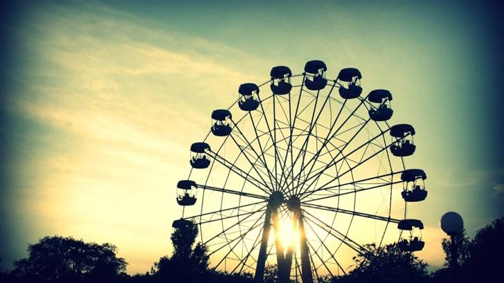 Sunlight Through Ferris Wheel Mac Wallpaper