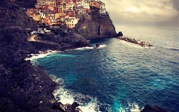 Beautiful Manarola Mac wallpaper