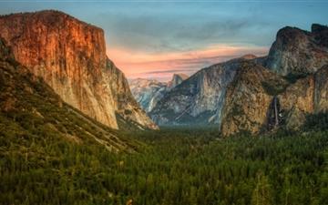 Yosemite Valley View Mac wallpaper
